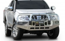 Mitsubishi Triton Bullbar with Lights
